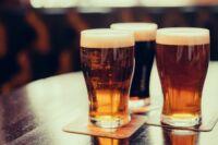A sörös poharak világa