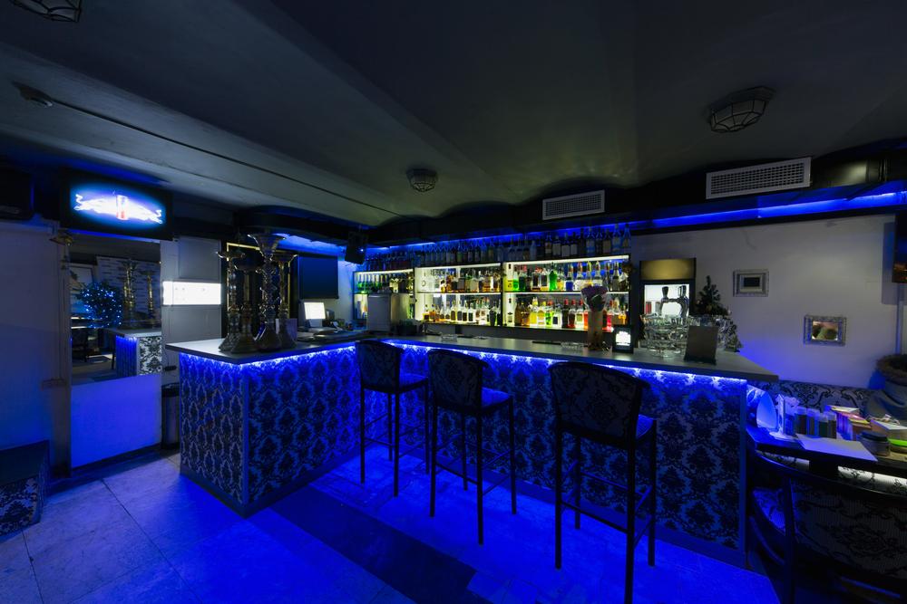 Világító bárpult: a tökéletes vendégcsalogató